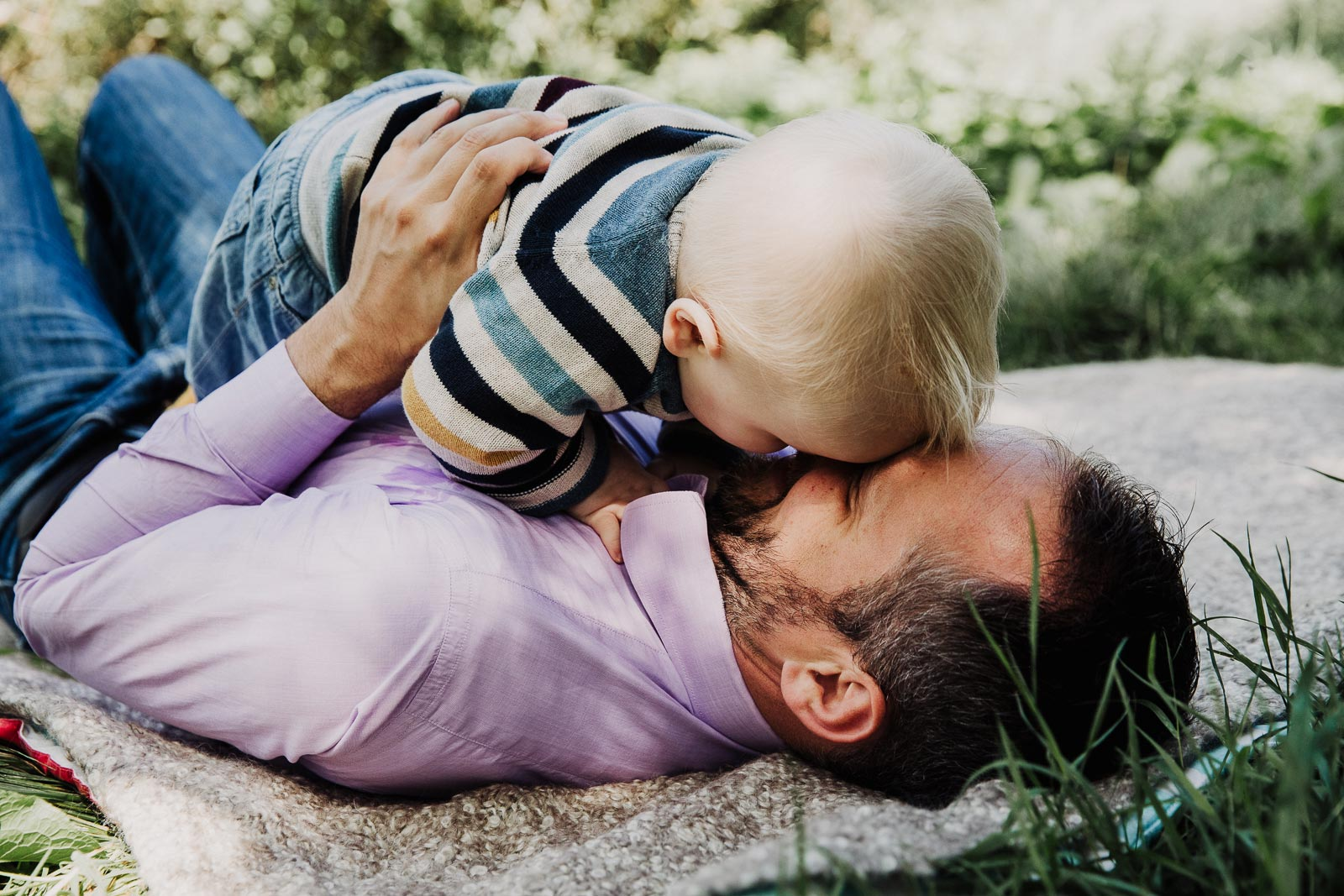 liefdevolle babyfotoshoot amsterdam