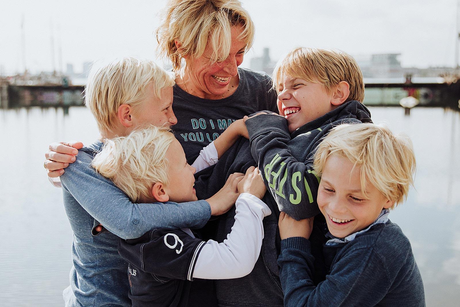 fun family photoshoot amsterdam