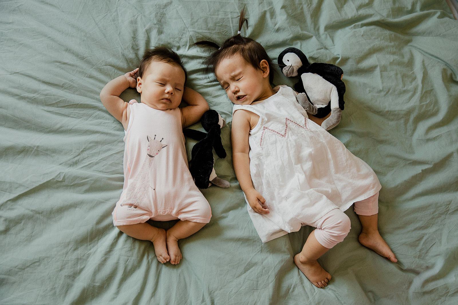 newborn shoot amsterdam baby met grote zus